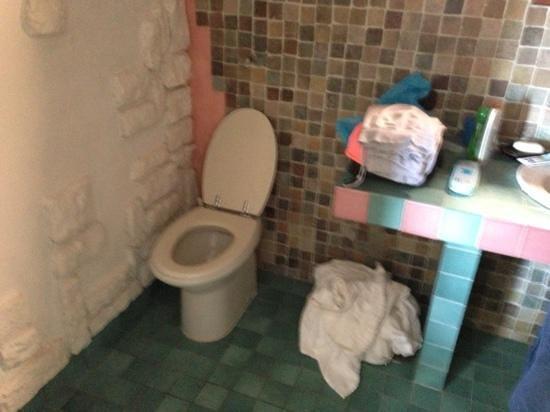 Villaggio Est: bagno