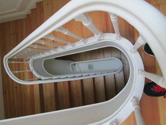 كال جيست هاوس: Staircase