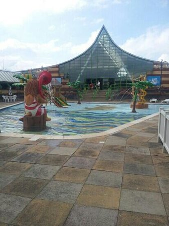 Elvis week picture of vauxhall holiday park great - Great yarmouth swimming pool times ...