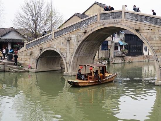 Qiandeng Ancient Town: 逰船景致