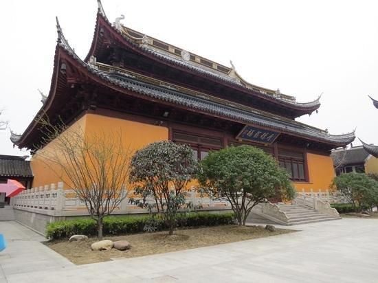 Qiandeng Ancient Town: 寺