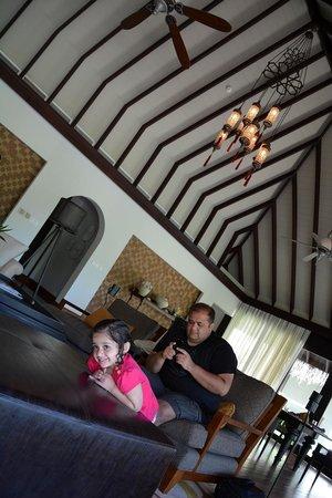 Anantara Kihavah Maldives Villas: Residence Lounge