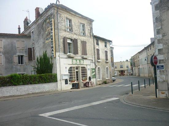 Hôtel Central: façade de l'hotel