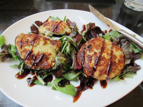BEST WESTERN Annesley House Hotel: Cheese and Herb Stuffed Mushrooms