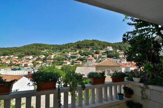 Apartments Mladinic: house