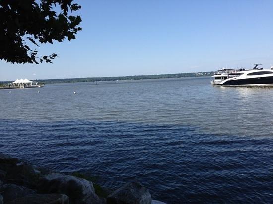 Wyndham Vacation Resorts At National Harbor: harbor & Gaylord pier
