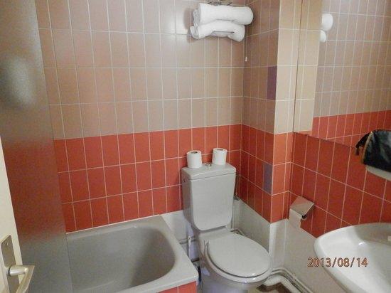 Hotel de la Vallee Noble : salle de bains