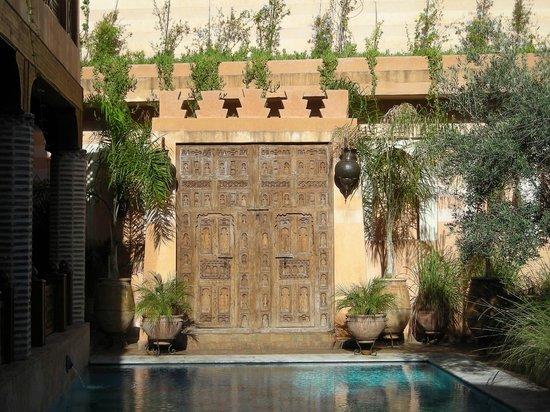 La Maison Arabe: il cortile e la piscina 4