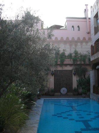 La Maison Arabe: il cortile e la piscina 3