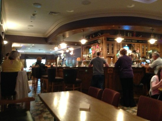 The Bayview Bar : inside view