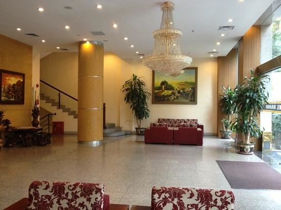 Prestige Hotel: Reception area (right side)