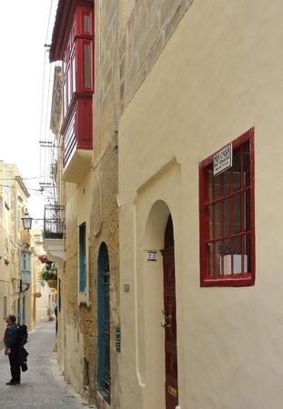 Mia Casa Bed and Breakfast Gozo : Devant la Casa