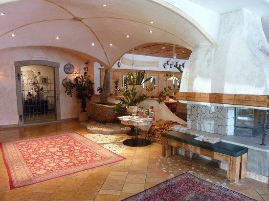 Landhotel Tharerwirt: entrata hotel
