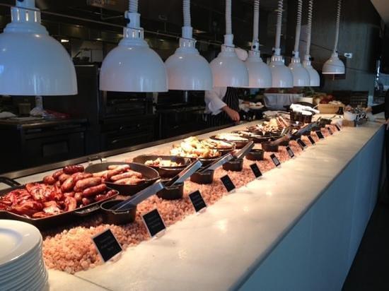 Fairmont Pacific Rim : Buffet breakfast at Oru