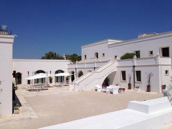 Masseria Bagnara Resort & Spa : il ristorante en plen air