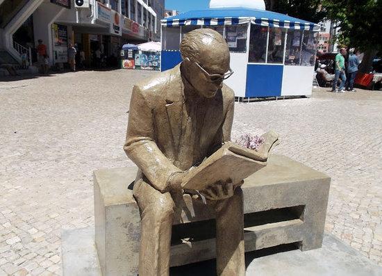 Estatua Dr. Horacio Louro