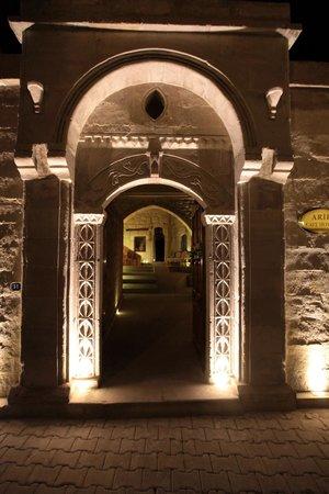 Arif Cave Hotel: Doors of Arif Cave