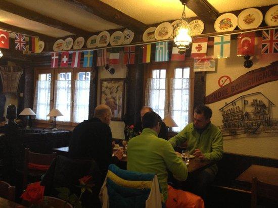 Hotel de la Poste : The cozy dining/breakfast room