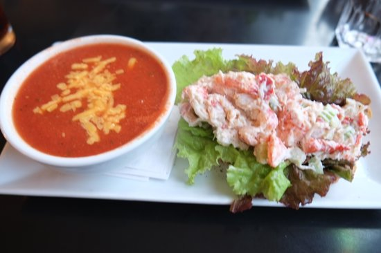 Magnolia's Grill: lobster roll with tomato cheddar soup! lovely!