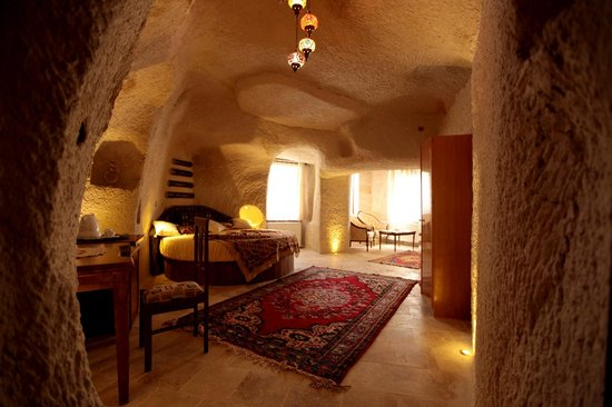 Arif Cave Hotel: Love Tunnel Cave Room