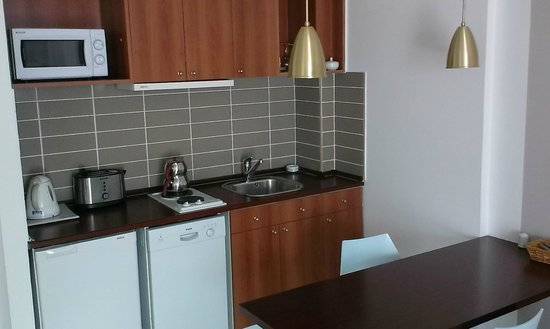 The Pendik Residence: kitchen