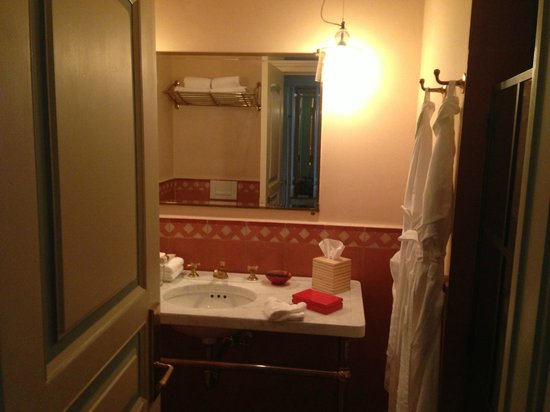 Greenwich Hotel: Bathroom