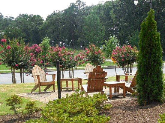 Hampton Inn Clemson-University Area: Relax & Enjoy