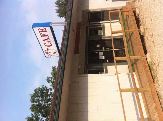Circle J Cafe: getlstd_property_photo