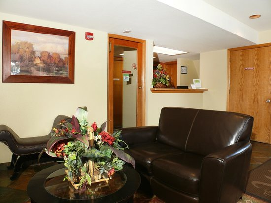 The West Condominiums: Lobby
