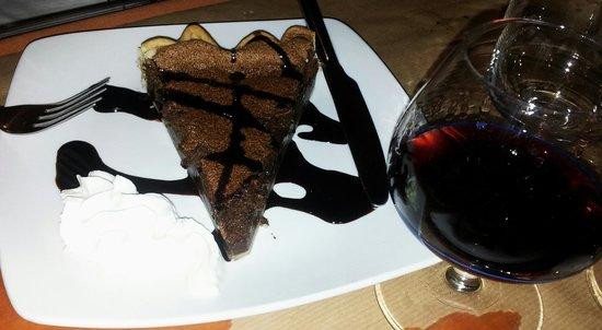 Restaurante Faca & Garfo: Torta al cioccolato e Porto