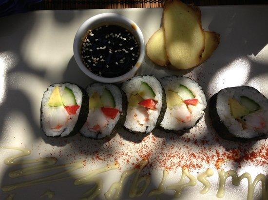 Mystique Beach Bar Restaurant: Sushi on the beach