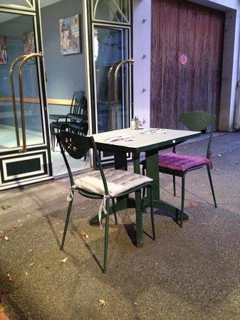 Le Lydo : table