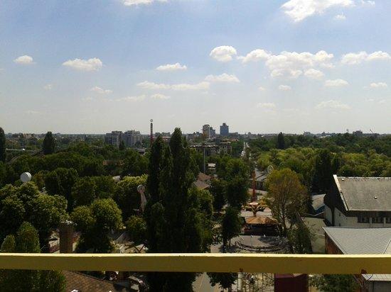 Vidam Park: View 3