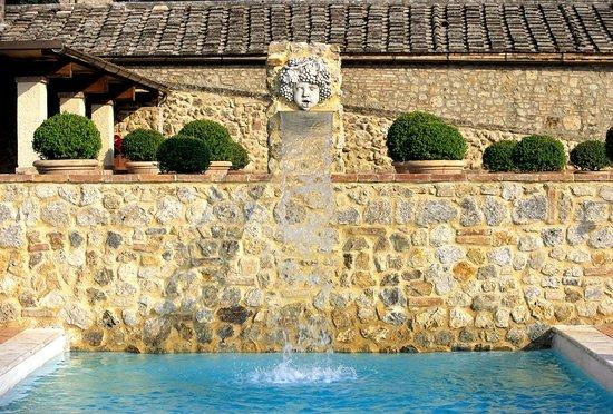 Swimming Pool Fountain - Picture of La Bagnaia Golf & Spa ...