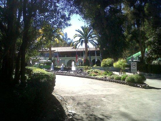 Termas El Corazon: Entrada al hotel