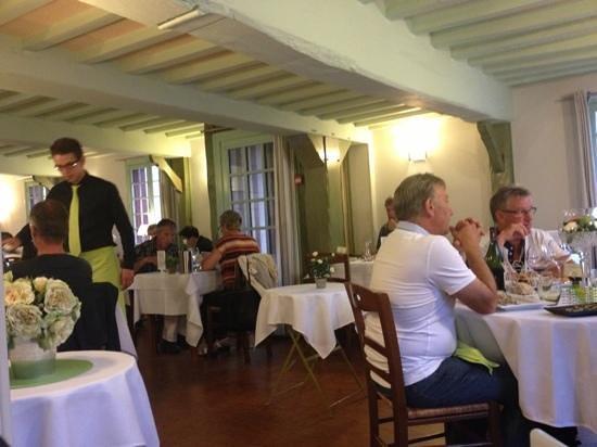 Hôtel Restaurant La P'tite Auberge : la salle