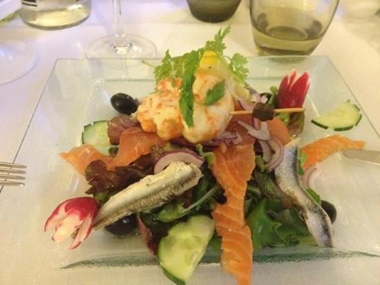 Hôtel Restaurant La P'tite Auberge : salade poisson