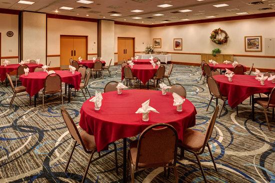 Ramada Price : Banquet Room