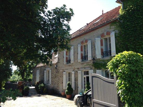 Manoir de Serrigny: Exterior of property (our window top right!)