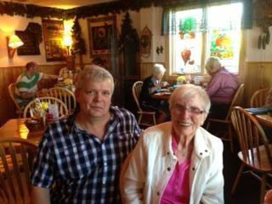 Lemon Wolf Cafe : Betty Lessard..Betty's Pies!