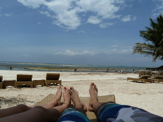 Swahili Beach Resort: Beach