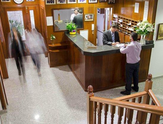 Praderon Hotel: recepción