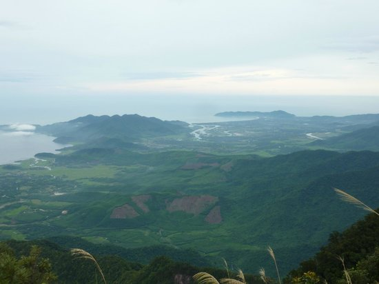 Bach Ma National Park: View from the top of Bach Ma