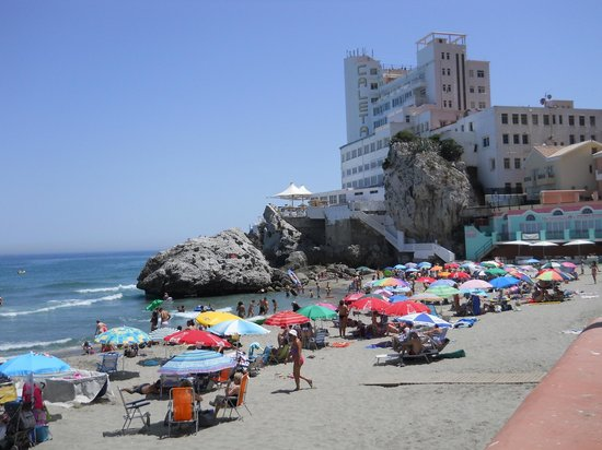 Caleta Hotel: the view of the hotel from the beach
