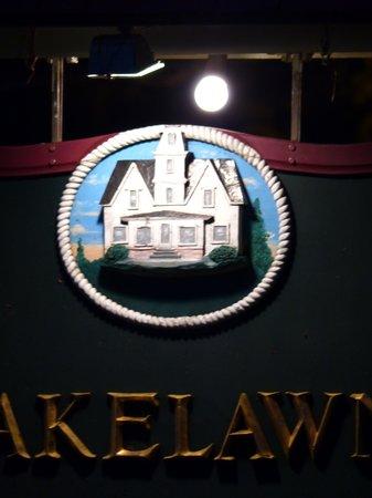 Lakelawn B&B Motel : Sign