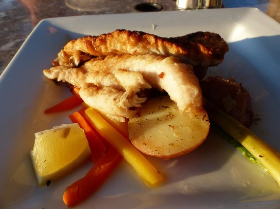 Governors Pub & Eatery : Seared Haddock
