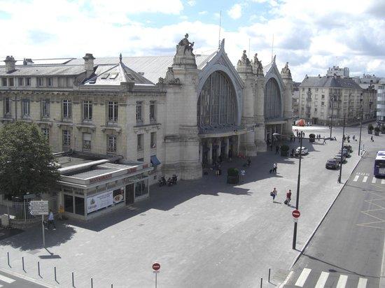 Hotel de L'Europe: 駅前