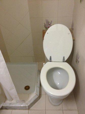 Hotel Villa Mora: doccia-wc