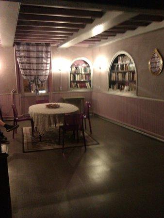 Hotel d'Europe : Sala común de planta 1 donde hay WIFI (en las habitaciones no hay wifi)