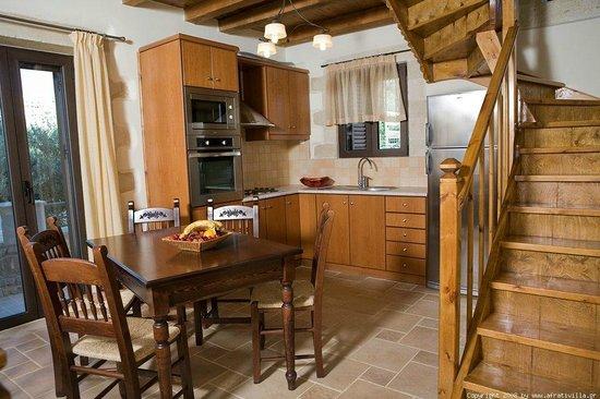 Villas Afrati: ΚΟΥΖΙΝΑ